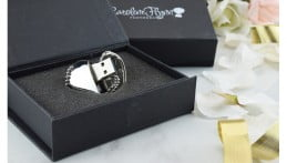 Crystal Heart USB Flash Drive Image 1