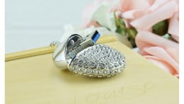 Crystal Heart USB Flash Drive Image 2