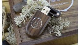 Wooden Pebble USB Drive - Dark Wood