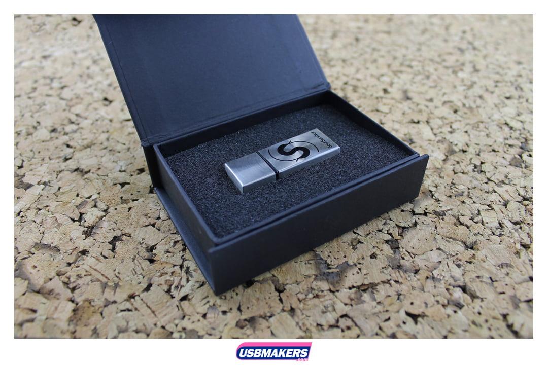 Zeus Branded USB Memory Stick Image 2